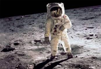 man-on-the-moon_1